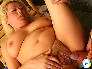 This smoking hot big mama loves to bring round for a pole in her ass hol