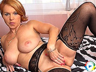 Hot fat lesbian milf wife that seeing her brand rubber toys