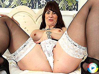Horny cocksucking gfs masturbating starlet maria in bed