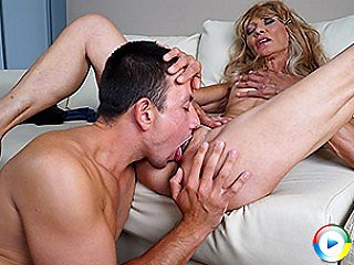 Horny mature housewife fucks then proudly shows under her hung toyboy