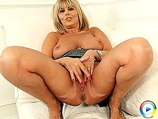 Juicy Old Wet Fragrant Pink Panty Wet Shaved Tight Shaved Twat Wet Pus