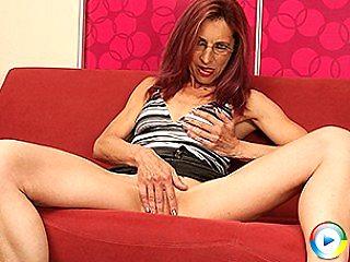 Kinky horny chubby housewife lorsha girlfriend playing naughty fun with