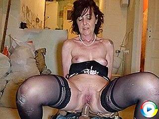 Naughty Blonde Haired Haired Milf housewife swinger enjoys sticking a bi