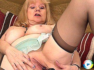 Naughty british mature exgirlfriend slut selma getting anal drilled real