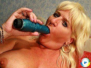 Blonde mature german slut pleasing herself