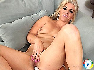 Horny lonely mature tanned blonde vs busty blond mature housewife pornst