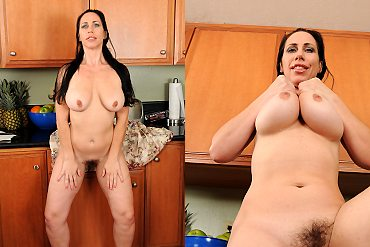 mature,housewife,brunette