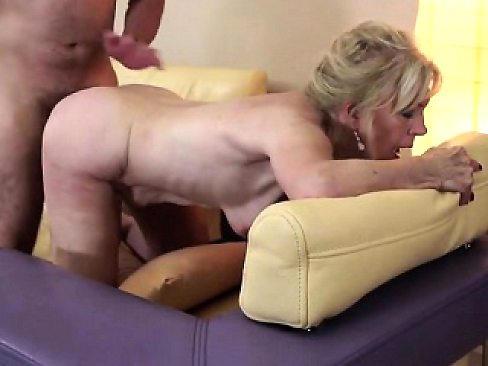 Delicious mature minx mumsy having Hattie from 1fuckdatecom