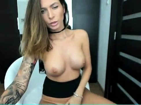 Big assed babe solo webcam