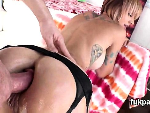 Exquisite bombshell shows off massive butt and gets anal sha
