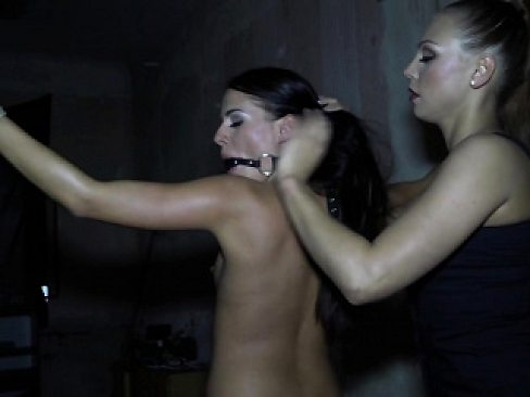Domina eurobabe flogs and teases her sub